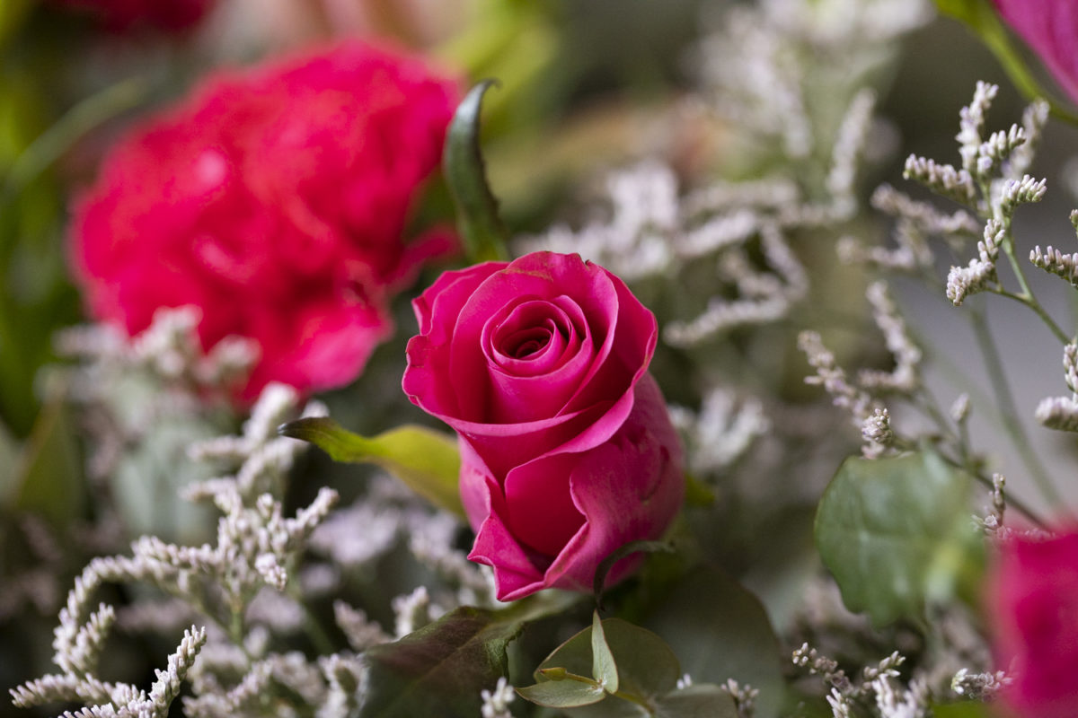 Baeutiful close up look at the flowers in the reception of a Waterwoods Wedding